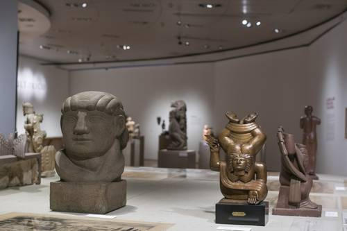 La exposición revisa en un recorrido virtual de 360 grados la producción tridimensional en el país de 1927 a 1979. En la imagen, a la derecha, se observa La nube, de Luis Ortiz Monasterio, una de las obras maestras del MAM.