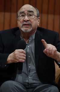 Quisimos llegar a una democracia y no lo hemos logrado: Alfredo López Austin