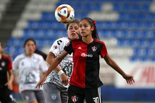 Con doblete ante Tigres, la rojinegra Alison González y llegó a 50 dianas en la Liga Mx femenil.