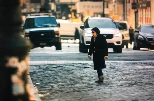 Fran Lebowitz en una escena de la miniserie de siete capítulos de alrededor de 30 minutos cada uno.