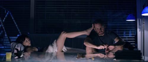 Escena de la serie Losing Alice, dirigida por Sigal Avin.