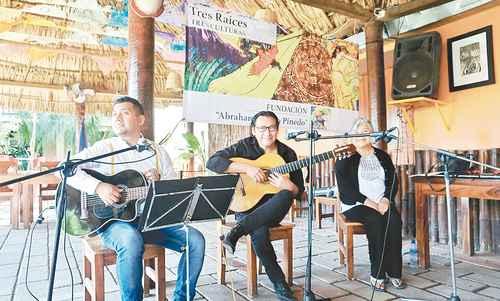 Lenguas indígenas de Oaxaca, vivas en Tres culturas, tres raíces