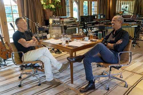 El cantante y el ex mandatario abordaron la situación social y política en EU.