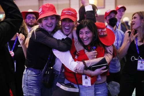 Celebración tras el discurso del ex presidente de Estados Unidos Donald Trump, en la Conferencia de Acción Política Conservadora celebrada en Orlando, Florida. Foto Afp