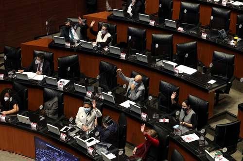 Los senadores de mayoría aprobaron en lo general, el miércoles pasado, la Ley de la Industria Eléctrica propuesta por Presidencia. En la imagen, una sesión de diciembre pasado.