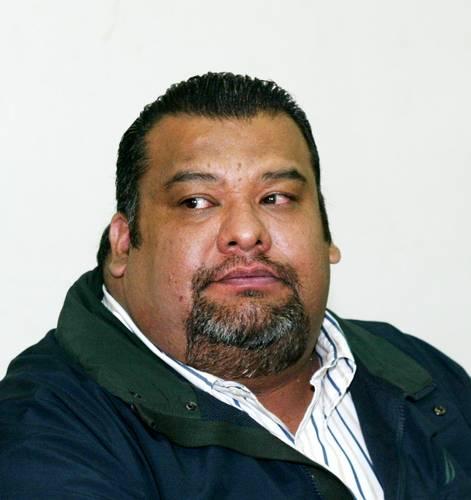 El ex líder del PRI capitalino, Cuauhtémoc Gutiérrez de la Torre, es buscado por la FGJ acusado, junto con cuatro colaboradores, de los delitos de trata y asociación delictuosa.