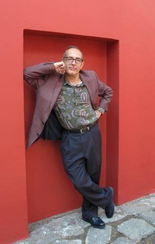Durante la presentación, organizada por la CNL, Víctor Toledo leyó algunos de los poemas de su libro.