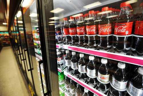 Ganancias de Coca-Cola superan expectativas