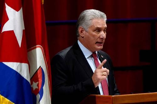 El presidente cubano y ahora primer secretario del Partido Comunista de Cuba, Miguel Díaz-Canel, durante el discurso de clausura del octavo congreso del partido, ayer en La Habana.