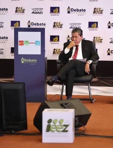 Durante el debate de candidatos al gobierno de Zacatecas, David Monreal, de Morena, garantizó que sacará al estado del estancamiento provocado por las dos administraciones recientes, sobre todo en economía y seguridad.