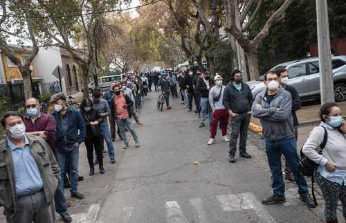 Centro de votación en la capital, Santiago.