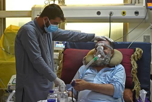 México ha recibido hasta el momento 44 millones de dosis de vacunas. En la imagen, un paciente en Kabul.