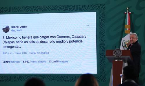 """""""MANCHA NEGRA DE CLASISMO Y RACISMO"""". Con un viejo tuit de Gabriel Quadri, el Presidente reiteró en la mañanera de ayer sus críticas a la clase media que aspira a ser fifí."""