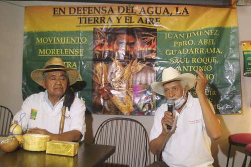 En conferencia de prensa realizada en un restaurante de Cuernavaca, Morelos, integrantes del Movimiento contra la Minería Tóxica por Metales exigieron ayer a los tres niveles de gobierno detener los trabajos de exploración de la mina canadiense Álamos Gold en Xochicalco para evitar daños al medio ambiente.