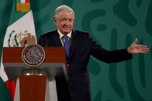 """El presidente Andrés Manuel López Obrador dijo ayer que decidió eliminar el Cisen y el Estado Mayor Presidencial porque, """"además de costosísimos"""", posibilitaban prácticas de persecución y tortura."""