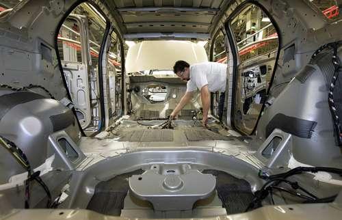 El asunto laboral de los empleados de General Motors en México es observado por autoridades de comercio de Estados Unidos. En la imagen, una planta de GM en Canadá.