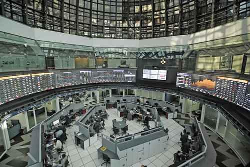El mercado accionario mexicano sufrió de julio a septiembre la mayor salida de capital foráneo desde el segundo trimestre de 2013, cuando se fugaron 6 mil 427 millones de dólares.
