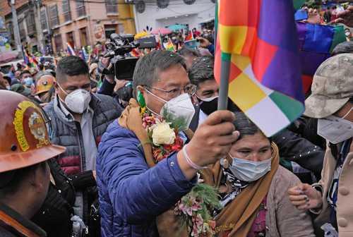 El presidente de Bolivia, Luis Arce, ayer en la manifestación de respaldo a su gobierno en La Paz.