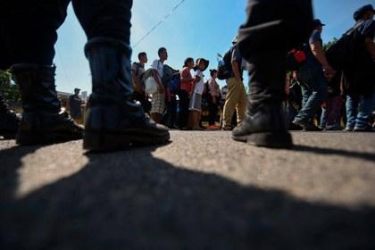 AFP salvadoreños ingresan México.jpg