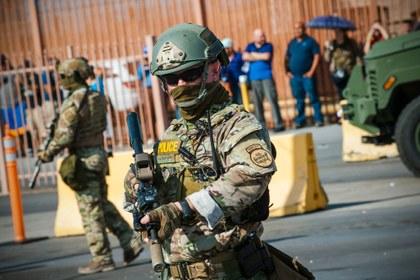 AFP patrullando la frontera México EU.jpg