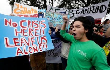 AP protestas contra Muro.jpg