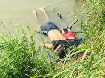 Jula Le Duc foto muerte migrantes.jpeg