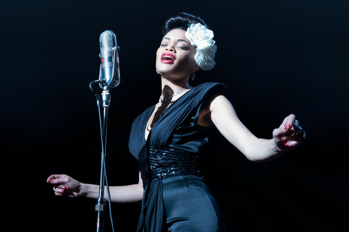 En esta imagen publicada por Paramount Pictures se muestra a Andra Day en 'The United States vs. Billie Holiday'.
