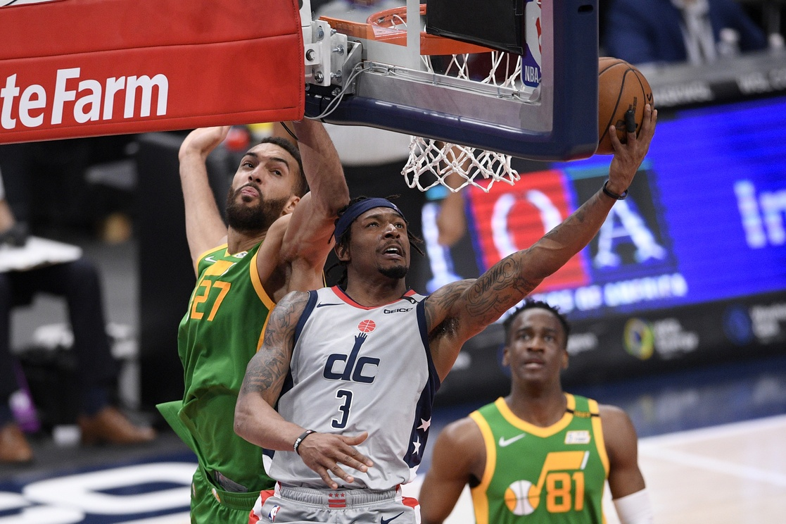 Una jugada de los Wizards y Jazz, en Washington.